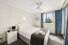 1-bed-budget-oceanview-unit14-bedroom