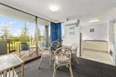 1-bed-budget-oceanview-unit14-dining