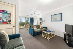 1-bed-budget-oceanview-unit14-living
