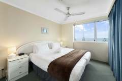1-bed-budget-oceanview-unit34-bedroom