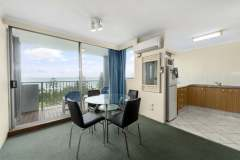 1-bed-budget-oceanview-unit34-dining