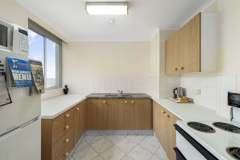 1-bed-budget-oceanview-unit34-kitchen