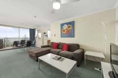 1-bed-budget-oceanview-unit34-living2