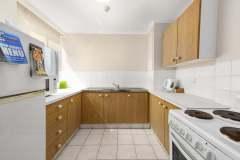 1-bed-poolview-unit10-kitchen