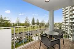 1-bed-superior-oceanview-unit18-balcony