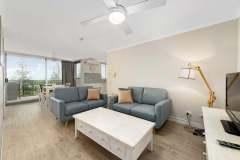 1-bed-superior-oceanview-unit18-living