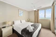1-bed-superior-oceanview-unit46-bedroom
