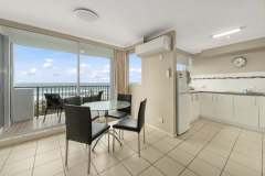 1-bed-superior-oceanview-unit46-dining
