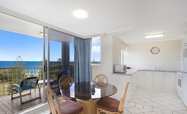 broadbeach-accommodation-apartments (3)