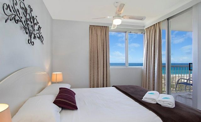 broadbeach-accommodation-on-the-beach (4)