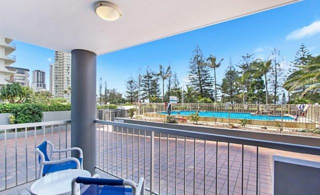 broadbeach-accommodation-on-the-beachfront (6)