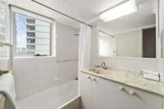 2-bed-budget-oceanview-unit27-bathroom