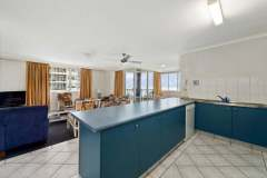 2-bed-budget-oceanview-unit36-kitchen