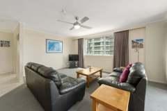2-bed-standard-oceanview-unit12-lounge