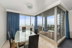 2-bed-standard-oceanview-unit43-dining