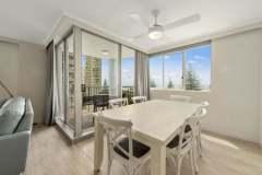 2-bed-superior-oceanview-unit24-dining