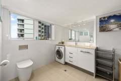 2-bed-superior-oceanview-unit47-bathroom