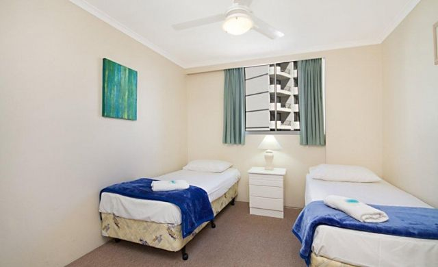 broadbeach-beachfront-accommodation (2)