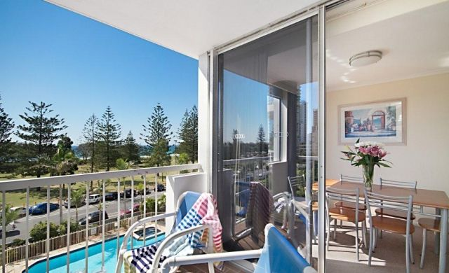 broadbeach-beachfront-accommodation (4)