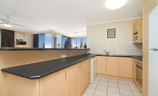 broadbeach-beachfront-accommodation (5)