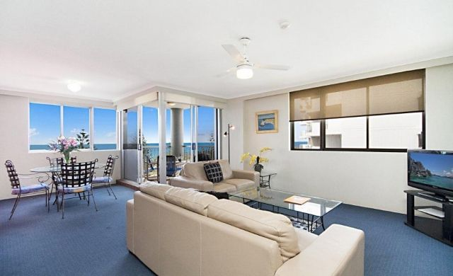 broadbeach-waterfront-accommodation (2)