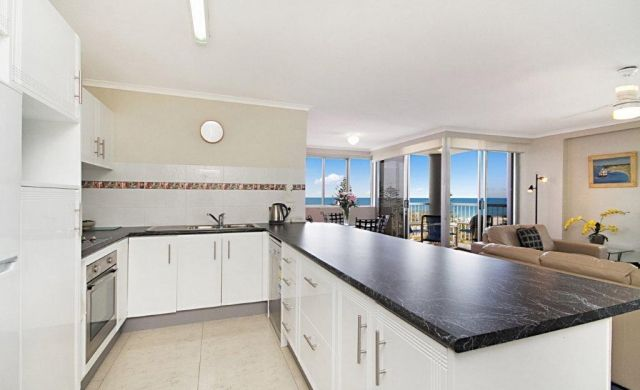 broadbeach-waterfront-accommodation (5)