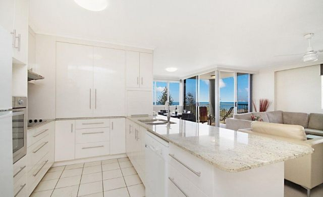 broadbeach-waterfront-accommodation (6)