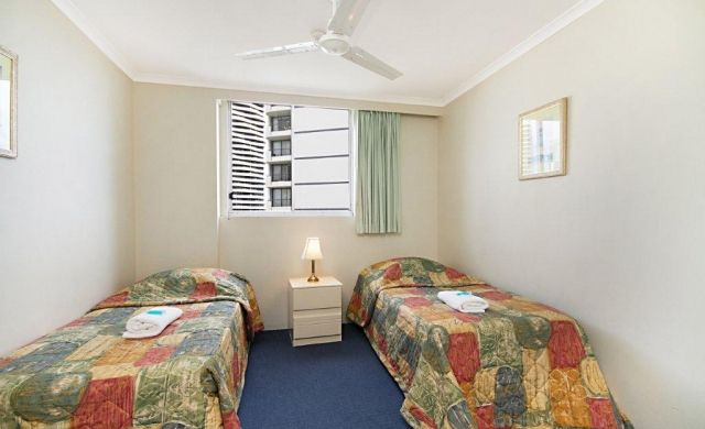 broadbeach-waterfront-accommodation (7)